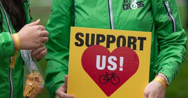 Wir suchen DICH!  Möchtest du uns als freiwillige/r Helfer/in am Weekend der @ekzcrosstour und @ridegravel.ch unterstützen? Wir würden uns freuen! 🙏🏼 Infos dazu auf unserer Website!  #ekzct #bern #radquer #gravel #cyclocross
