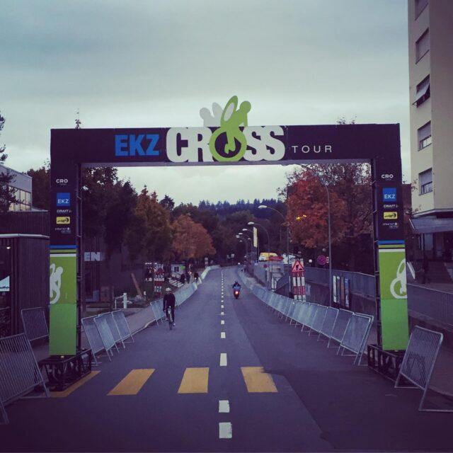 Calm before the start... 💨 #ekzct #cyclocross #gravel #gravelride #gravelrace #allianz #bern #cxrocks #cyclocrossishere