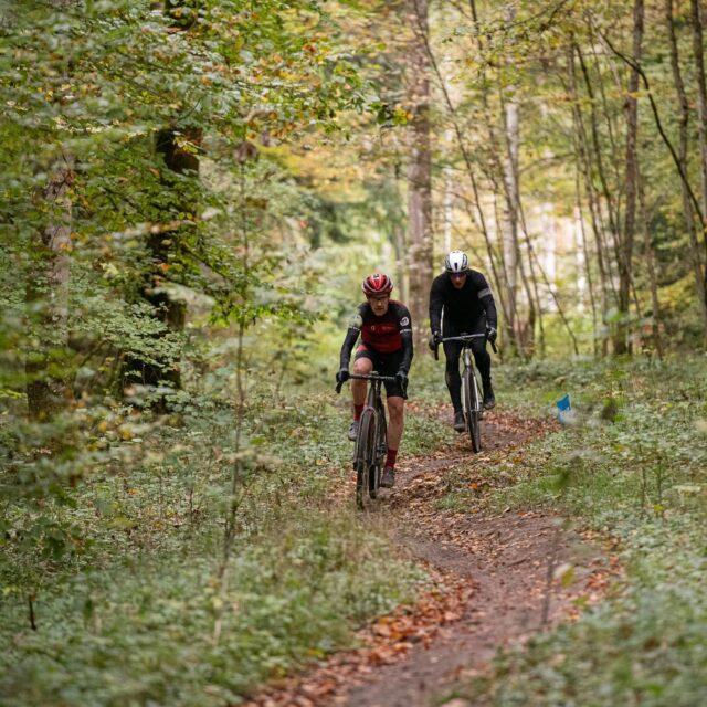 Gravel? Not Gravel? We dont care...  Ride your bike and enjoy! 🥰 📸: @buchlifotografie #gravel #gravelride #gravelrace #gravelracing #gravelcycling #gravelgrinder #gravellife #cycling #cyclinglife #cyclinglifestyle #bern #allianz #allianzversicherung