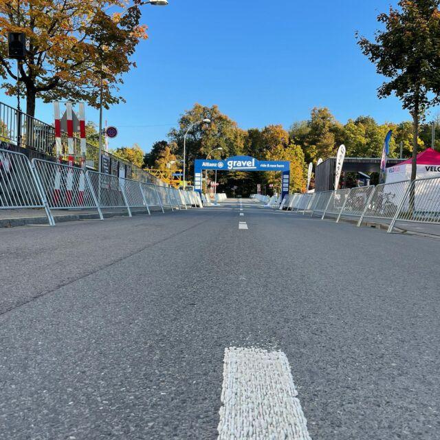 Das Weyerli ist so gut wie ready für den grössten Gravel-Event der Schweiz! 💥☀️🚴♀️🚴  👉ab sofort: Bike-Test, Expo, Food & Drinks 👉12:15: Start Gravel Race (50km) 👉12:30: Start Gravel Ride (25km) 👉16:15: Start Kids-Cross  Nachmeldungen sind bis 30min vor dem Start online möglich!🙌  Details, Start- und Ranglisten: https://ridegravel.ch